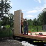 7. Первый угол стен дома из СИП-панелей 174 мм
