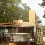1.Двутавровые балки установлены, приступаем к монтажу стен